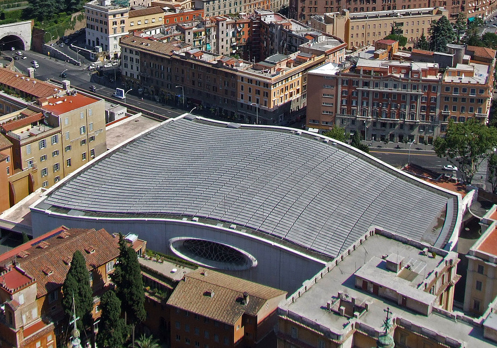 vatican audience hall reptilian-2