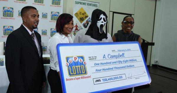 super loto Jamaica mask