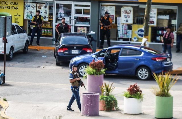 Clashes-between-El-Chapo-cartel-and-Mexico-City-Police-6